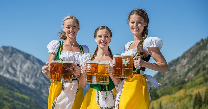 oktoberfestgirls_2015_c_normal